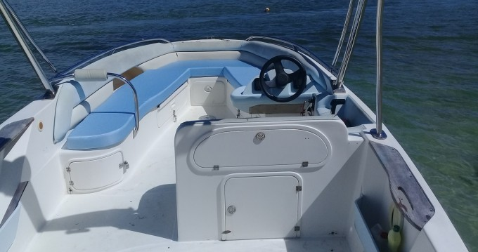 Rental Motorboat Legend with a permit