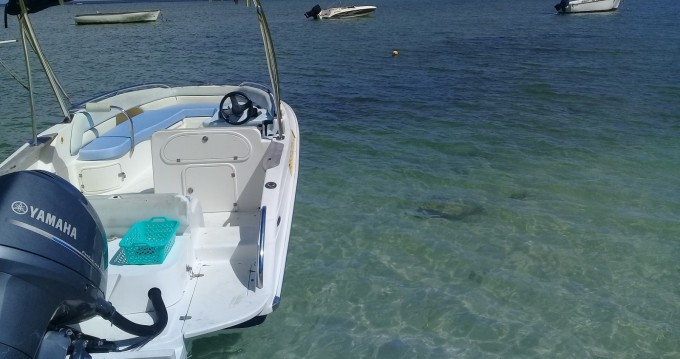 Rental Motorboat in Bambous - Legend L21