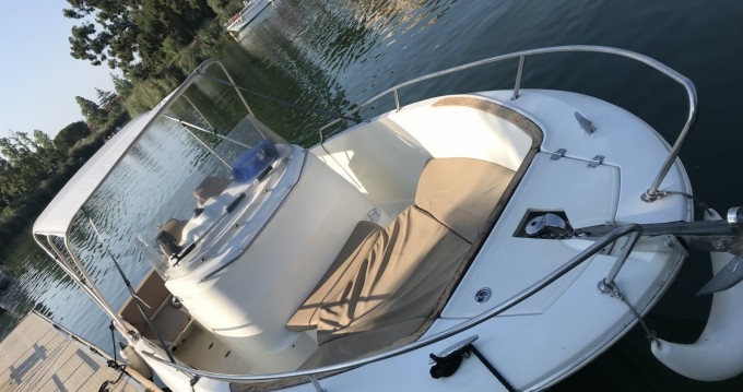 Hire Motorboat with or without skipper Jeanneau Cannes