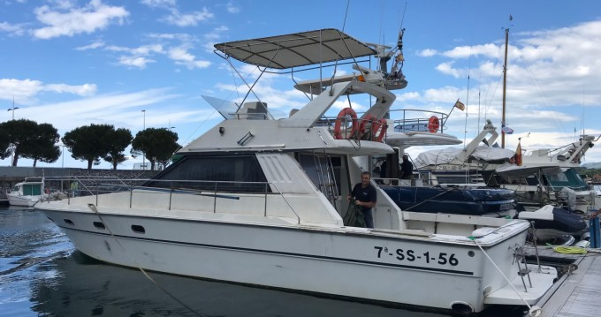Motorboat for rent Hendaye at the best price