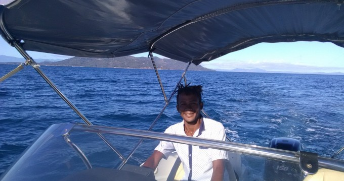 Motorboat for rent Madagascar at the best price
