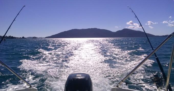 Boat rental Madagascar cheap Open