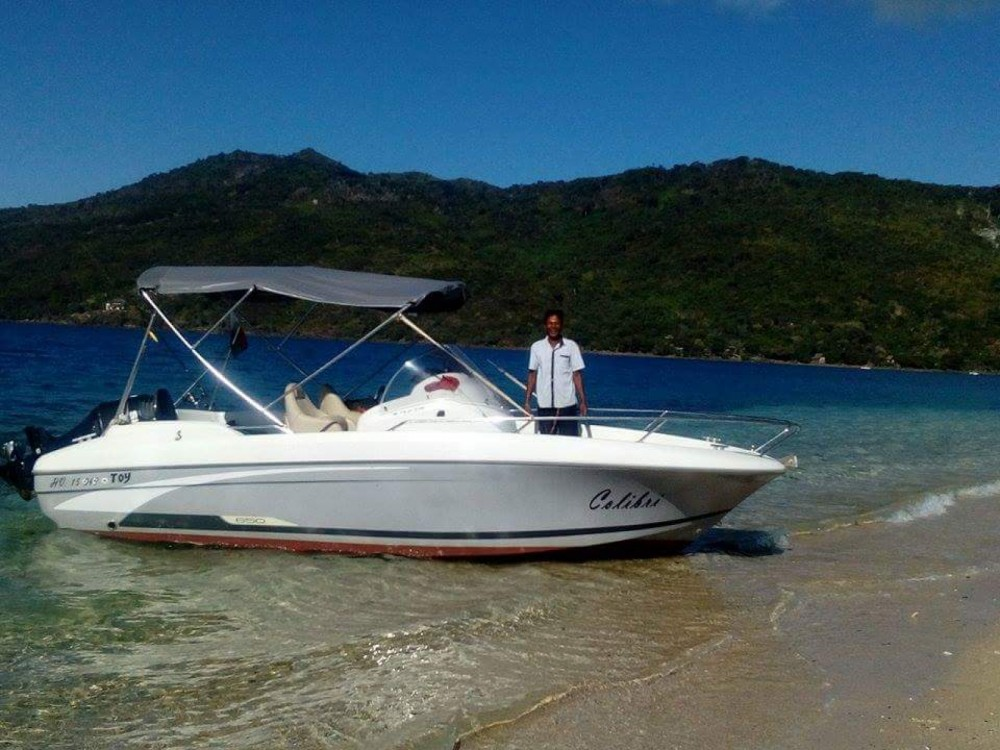 Hire Motor boat with or without skipper Bénéteau Madagascar
