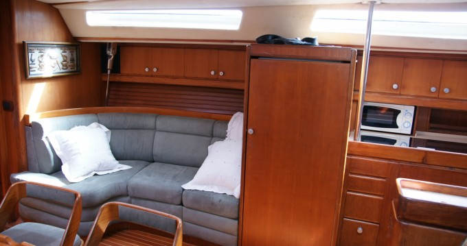 Rental Sailboat in Balearic Islands - Wauquiez CENTURION 61