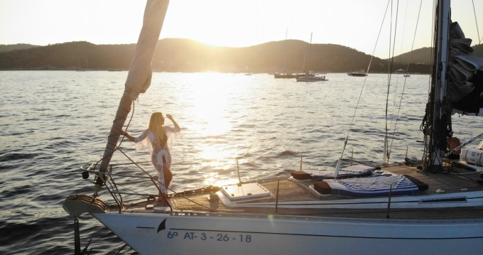 Hire Sailboat with or without skipper Wauquiez Ibiza Town
