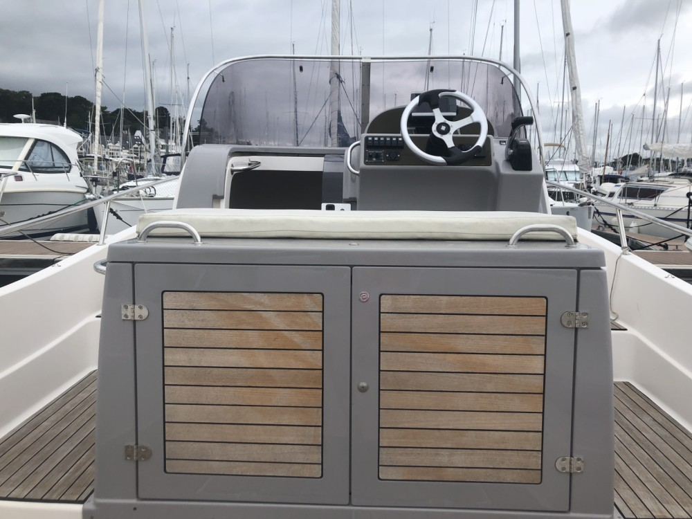 Rent a Pacific Craft Pacific Craft 800 Sun Cruiser La Trinité-sur-Mer