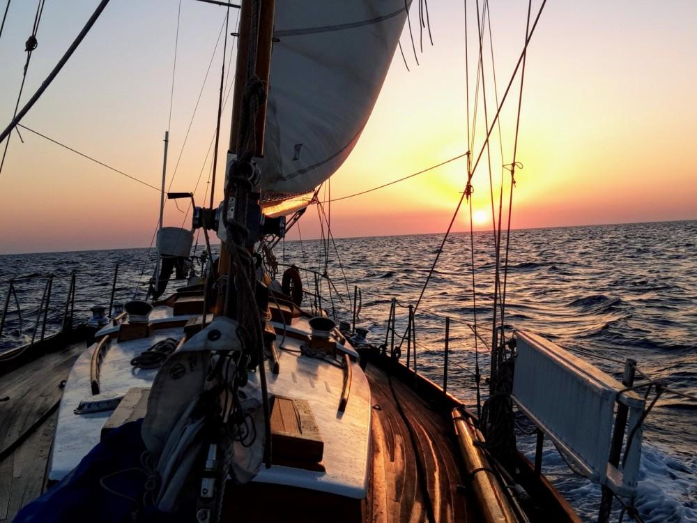 Boat rental Vilanova i la Geltrú cheap Yawl Marconi