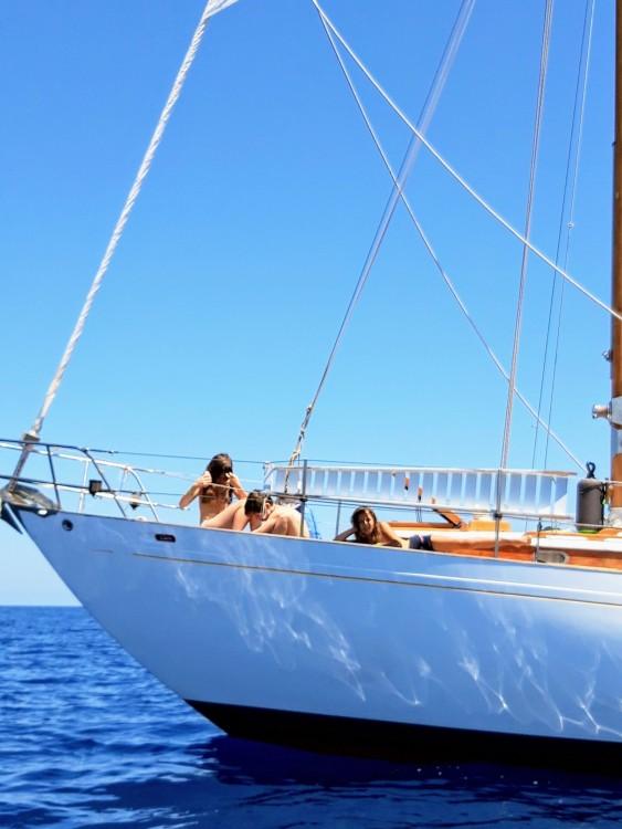 Rental Sailboat in Vilanova i la Geltrú - Guido Appollonio Yawl Marconi