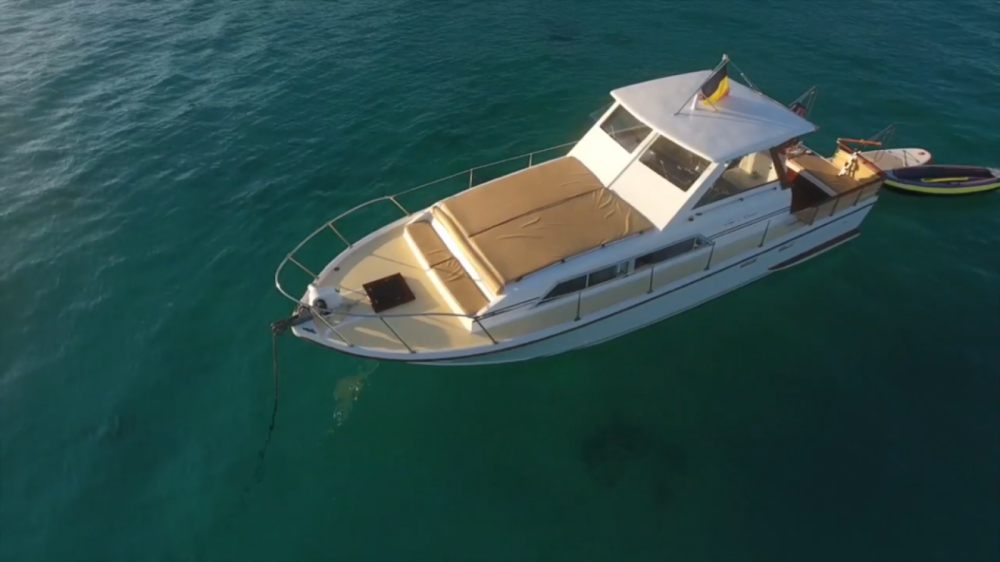 Boat rental Cannes cheap 920