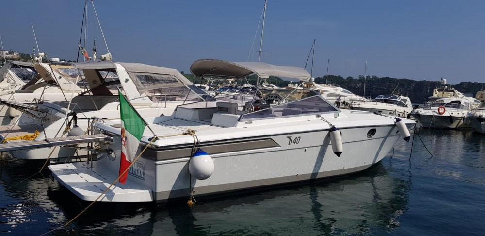 Hire Motor boat with or without skipper Baia Naples