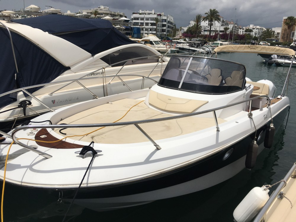Hire Motor boat with or without skipper Sessa Marine Islas Baleares