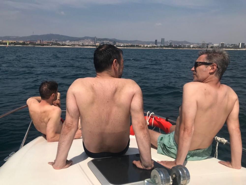 Rental Motor boat in Port Fòrum Sant Adrià - Sealine Sealine 240 Senator