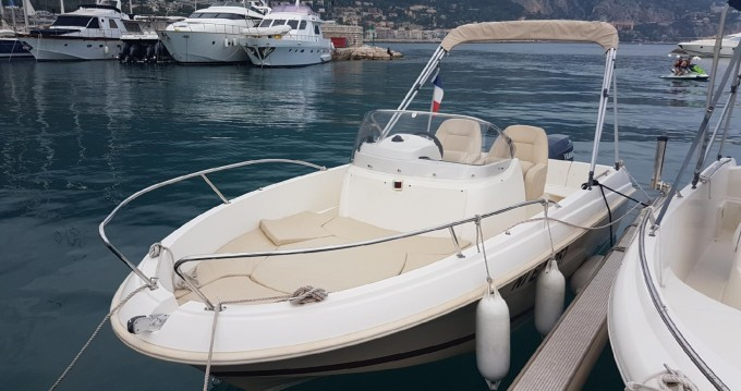 Hire Motorboat with or without skipper Jeanneau L'Estaque