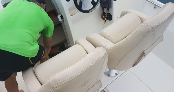 Rental yacht L'Estaque - Jeanneau Cap Camarat 555 Style on SamBoat
