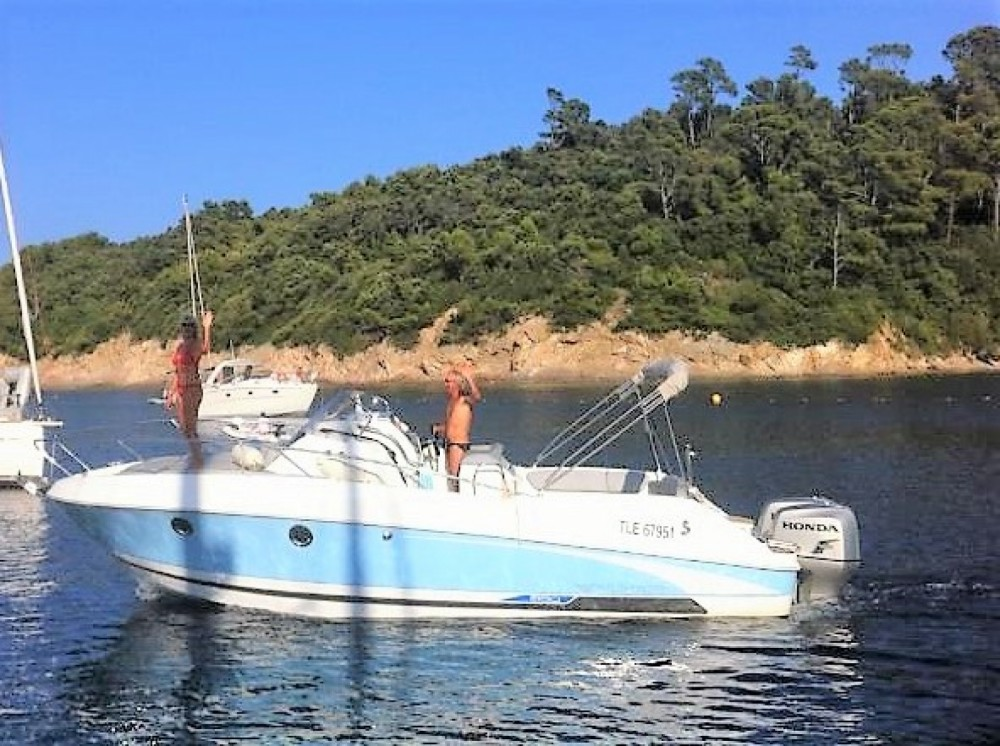 Hire Motor boat with or without skipper Bénéteau La Londe-les-Maures