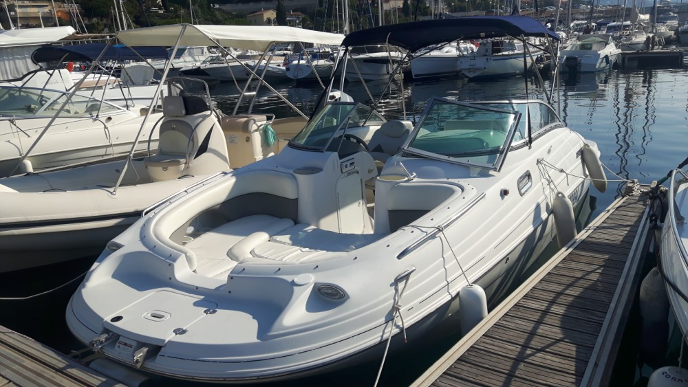 Motorboat for rent Le Lavandou at the best price