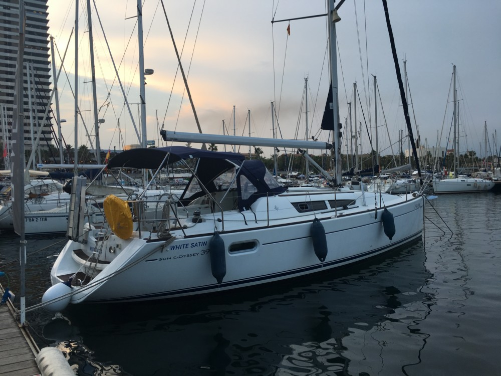 Rental Sailboat in Barcelona - Jeanneau Sun Odyssey 39i