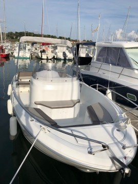 Hire Motorboat with or without skipper Jeanneau Pornic