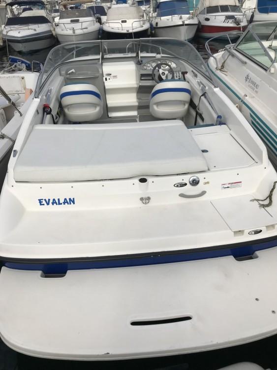 Rental Motor boat in  - Bayliner Bayliner 652