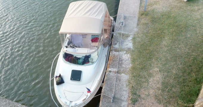 Hire Motorboat with or without skipper Jeanneau Corny-sur-Moselle