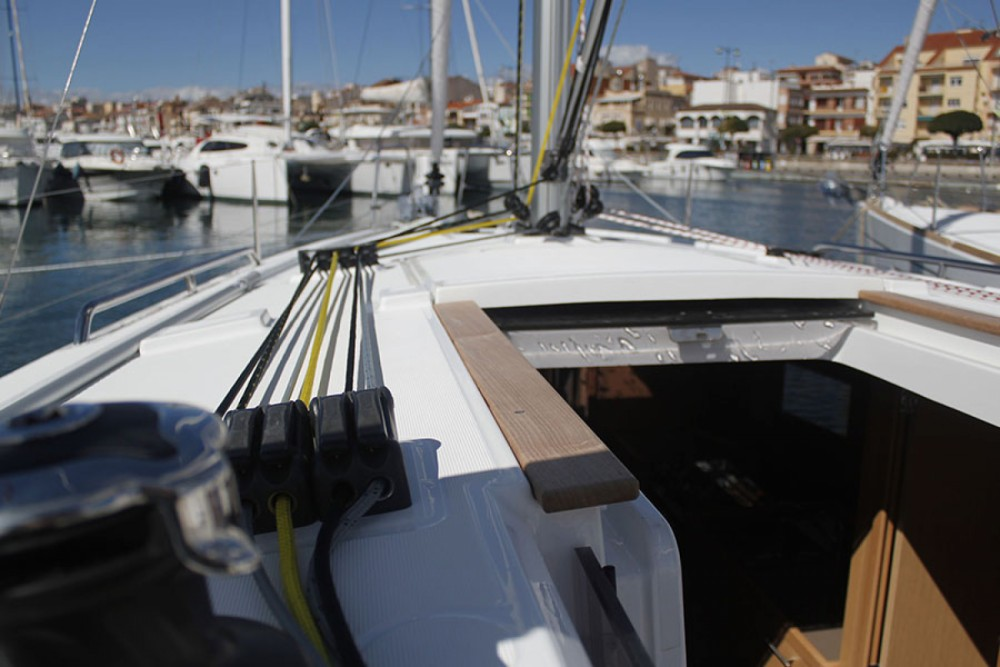 Boat rental Cambrils cheap Oceanis 35.1