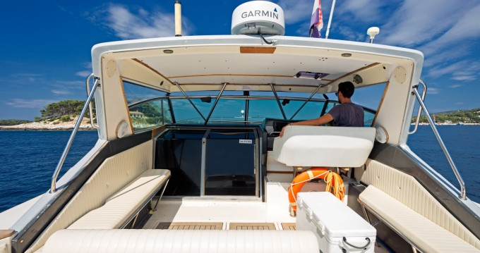 Sea Ray Sea Ray 390 between personal and professional Hvar