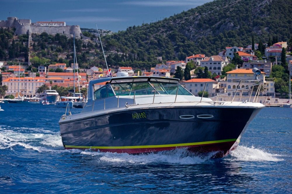 Hire Motor boat with or without skipper Sea Ray Hvar