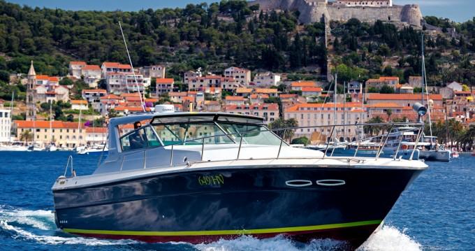 Rental Motorboat in Hvar - Sea Ray Sea Ray 390