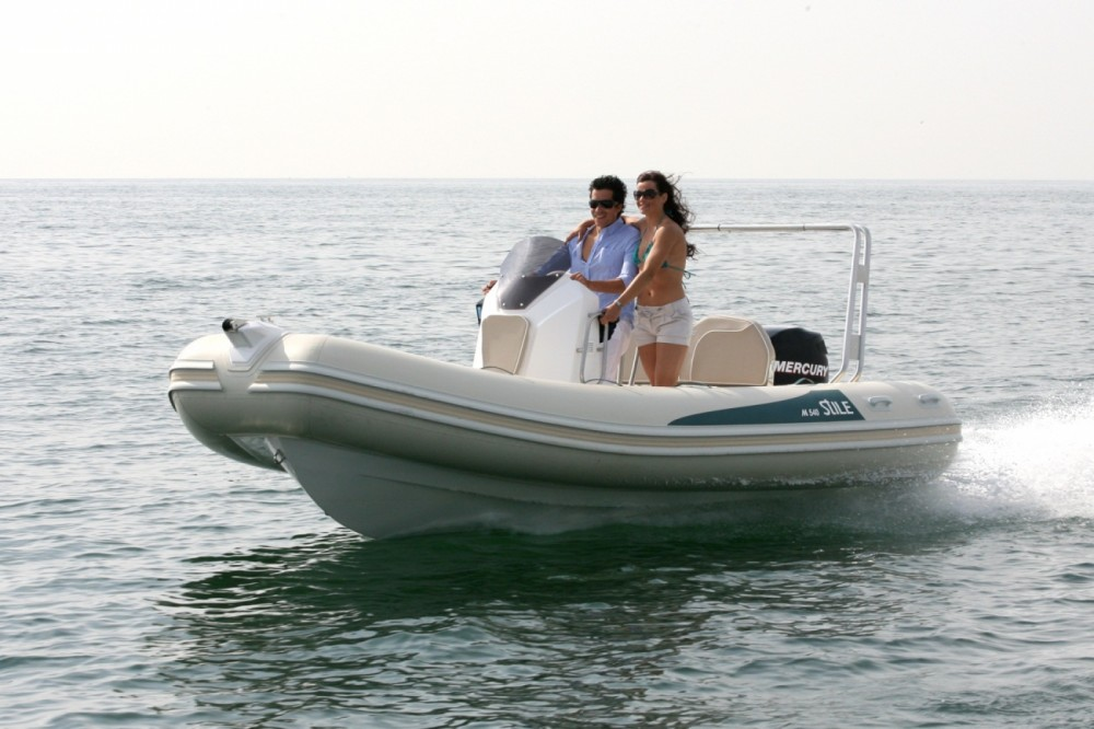 Boat rental Arimar Stile 540 in Marina Punta Verde on Samboat
