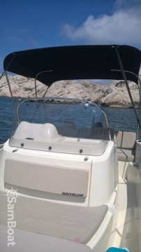 Boat rental Quicksilver Activ 605 Open in Old Port of Marseille on Samboat