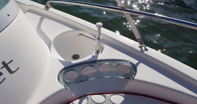 B2 Marine Cap Ferret 552 Sun Deck between personal and professional Vannes