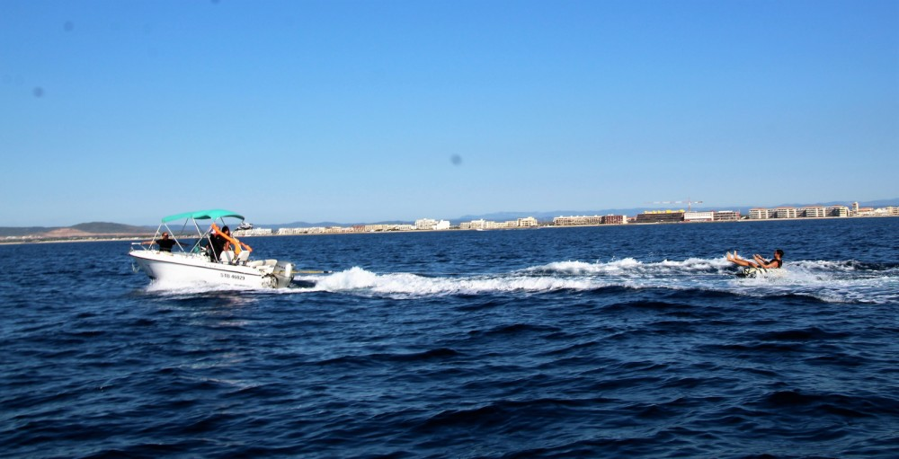 Motor boat for rent Palavas-les-Flots at the best price