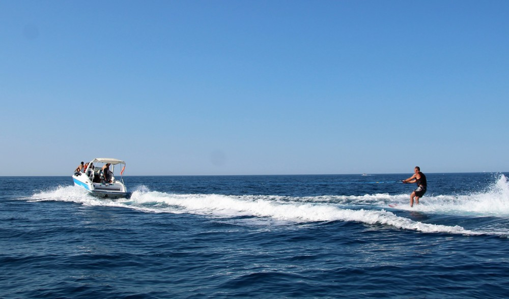 Rental yacht Palavas-les-Flots - Jeanneau Leader 650 on SamBoat