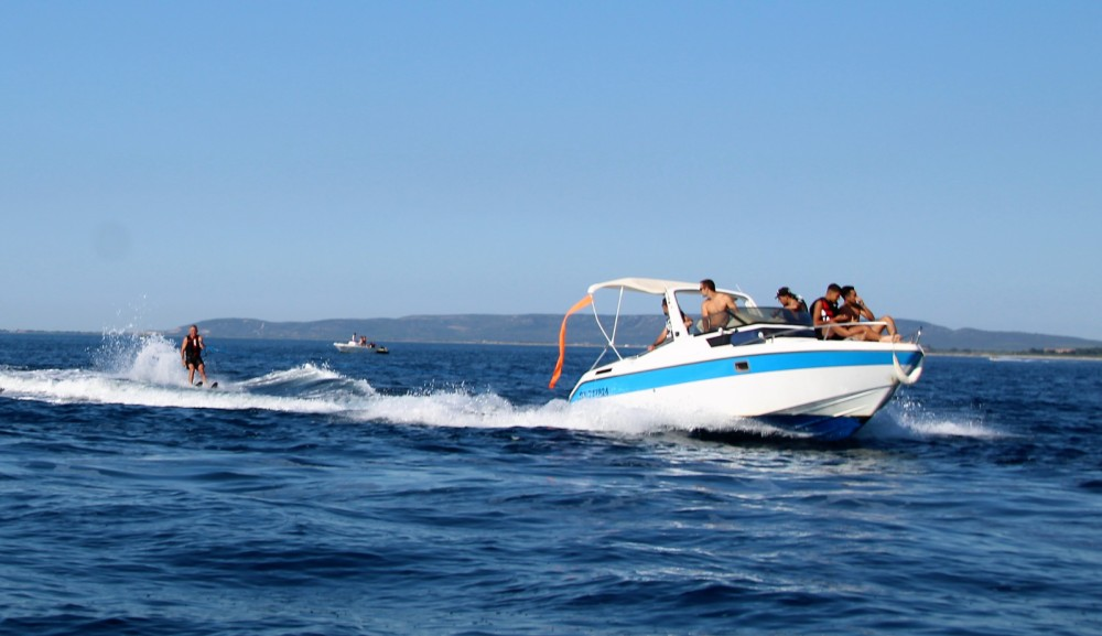Boat rental Jeanneau Leader 650 in Palavas-les-Flots on Samboat