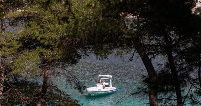 Boat rental Maestral Ris 500 in Dubrovnik on Samboat