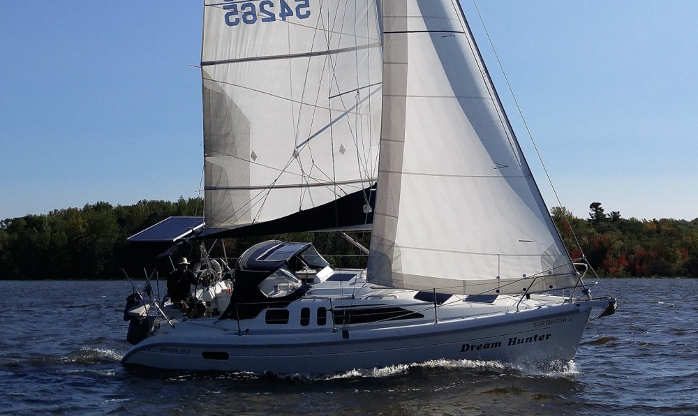 Hire Sailboat with or without skipper Hunter Montreal West