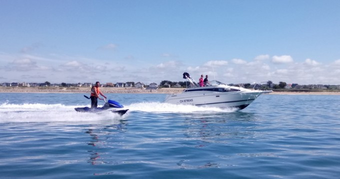 Rental Motorboat in Barneville-Carteret - Bayliner Cierra 2855