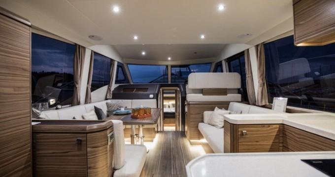 Rental Motorboat in Biograd na Moru - Greenline Greenline 48 Fly