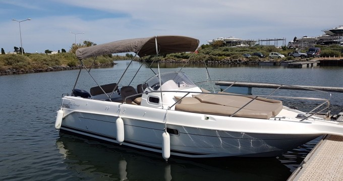 Motorboat for rent Mauguio at the best price