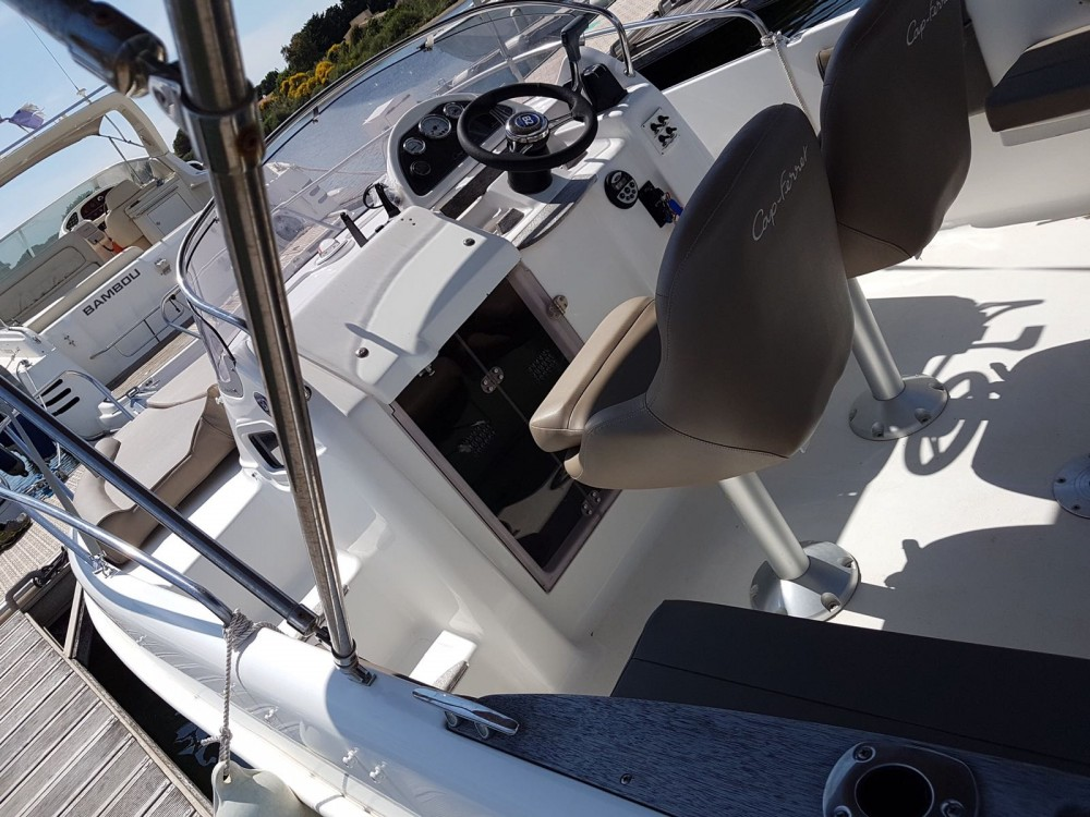 Hire Motor boat with or without skipper B2 Marine Carnon-Plage