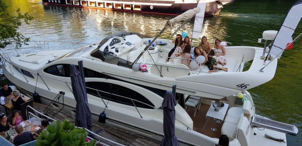 Boat rental Lyon cheap Azimut 46