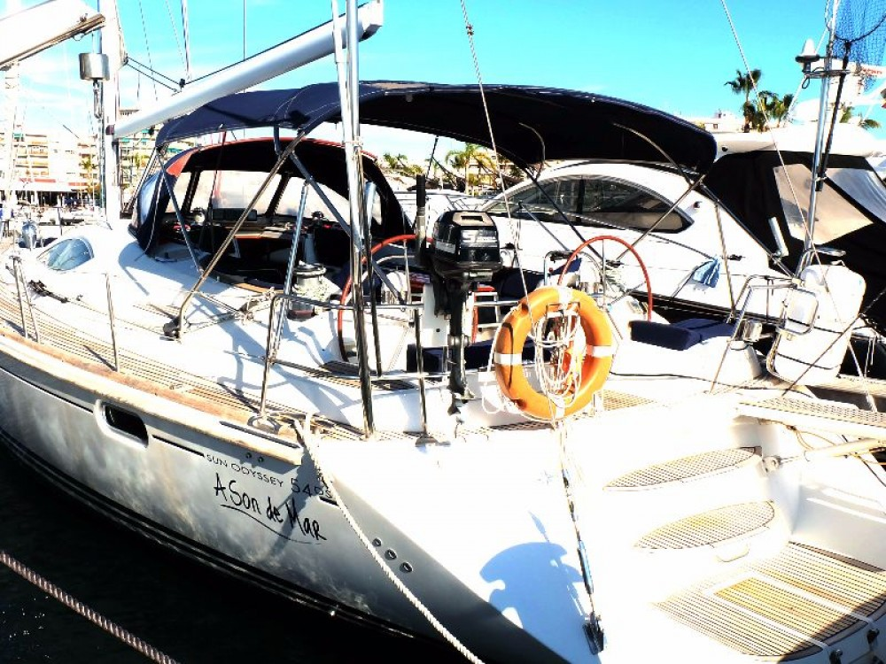 Sailboat for rent Santa Pola at the best price