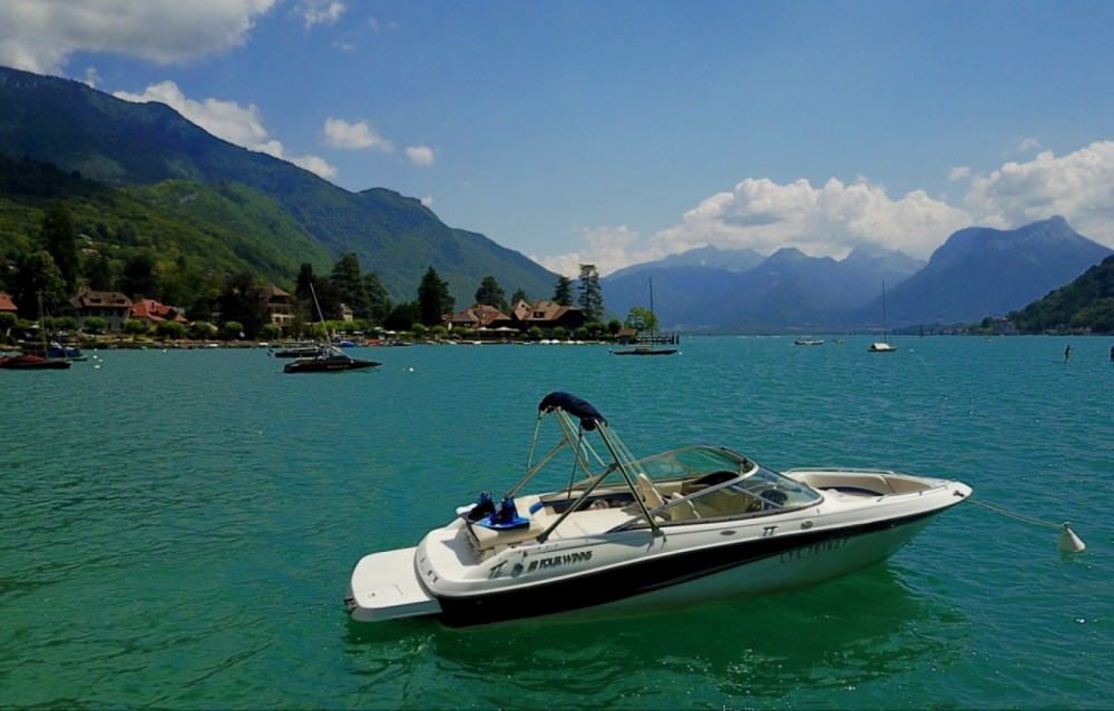 Motor boat for rent Annecy at the best price
