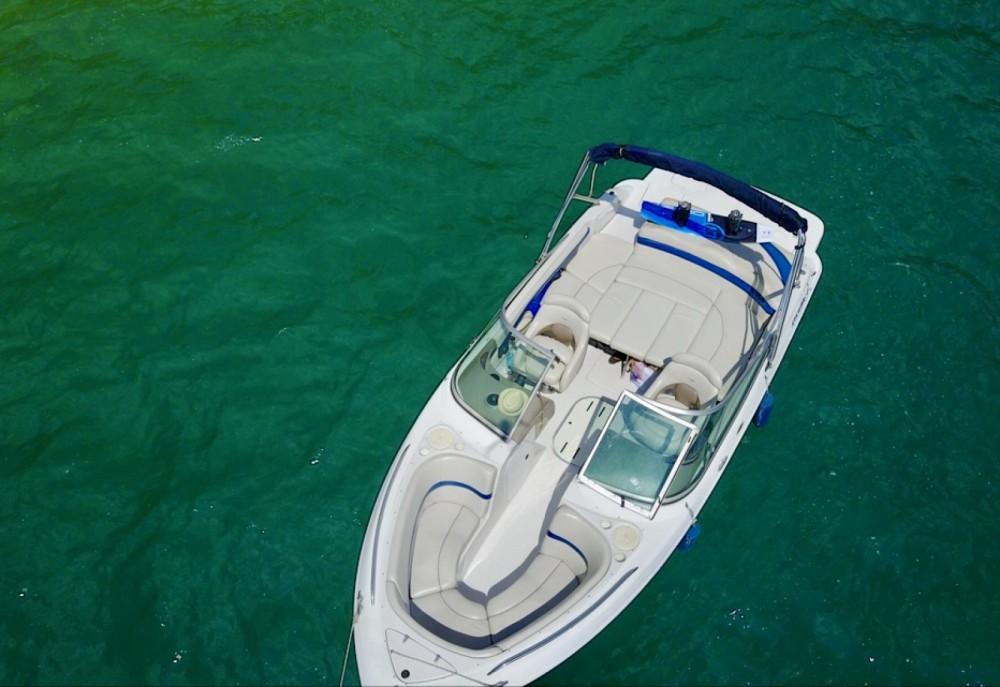 Boat rental Four Winns Horizon 220 in Annecy on Samboat
