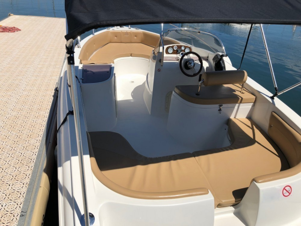 Hire Motor boat with or without skipper As Marine Bormes-les-Mimosas
