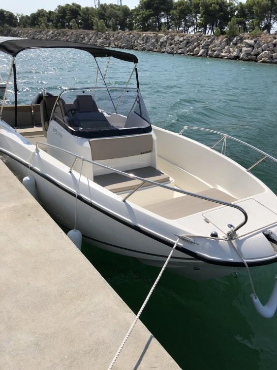 Boat rental  cheap Activ 675 Open Sport