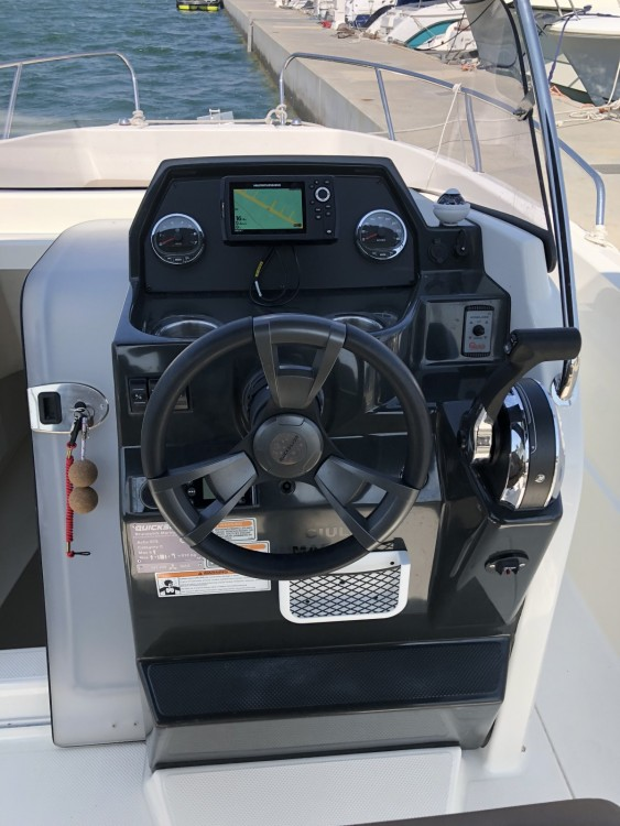 Hire Motor boat with or without skipper Quicksilver