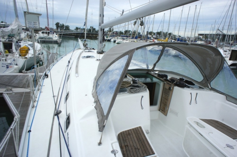Bénéteau Cyclades 50.4 between personal and professional La Rochelle