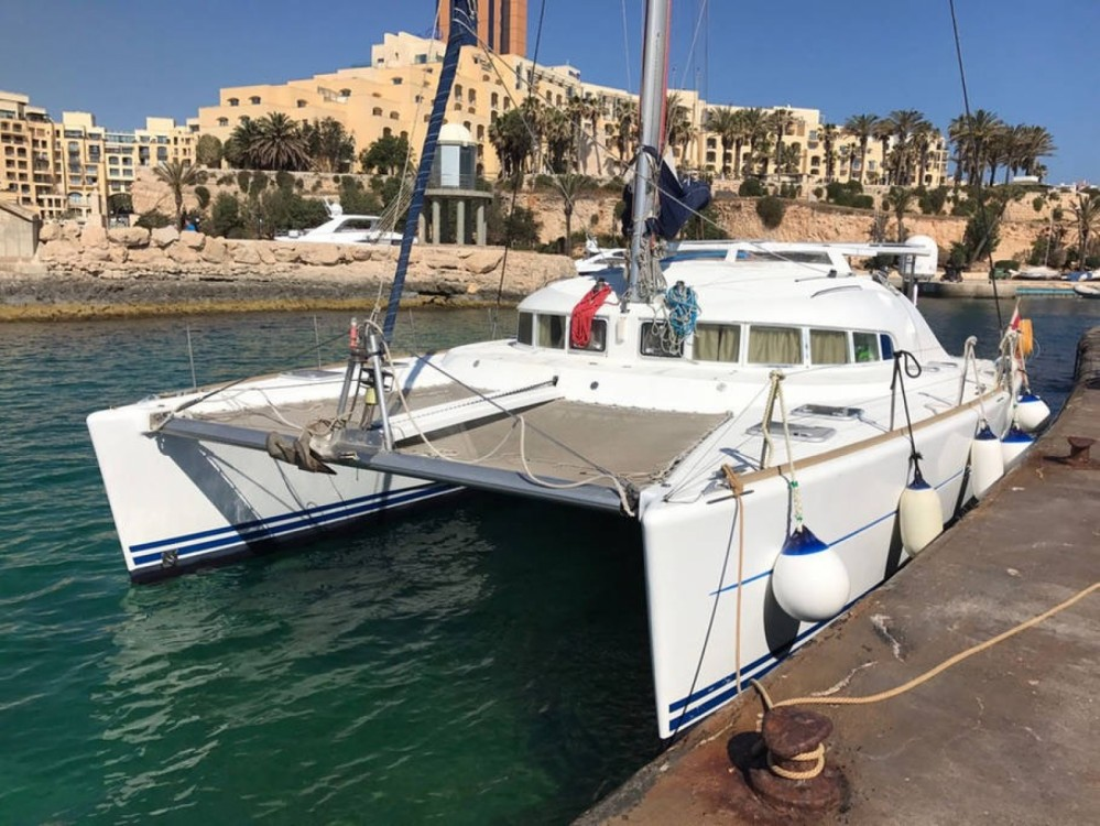 Hire Catamaran with or without skipper Lagoon Sliema