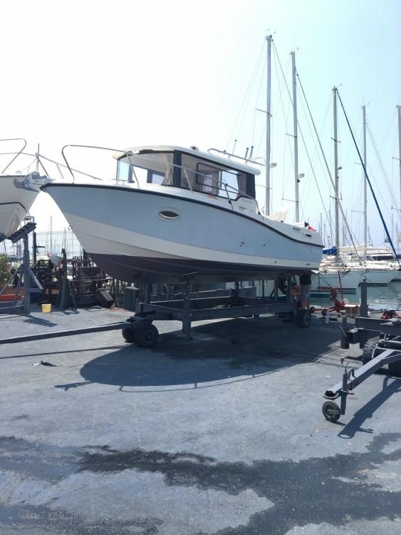Rent a Quicksilver Quicksilver 755 Pilothouse Saint-Raphaël